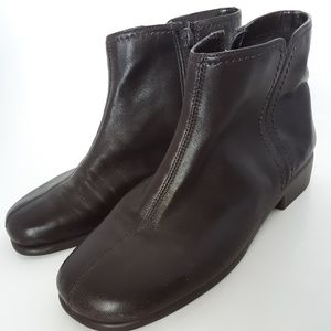 Aeropostale Women's Brown Leather Ankle Boots Sz 6